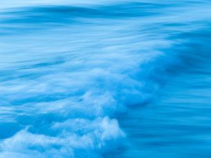 波の写真素材 [FYI03055472]