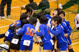 高校生バレーボール女子の写真素材 [FYI03055632]