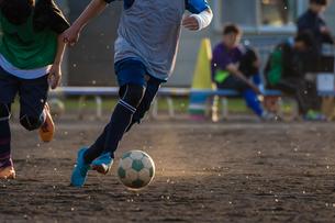 サッカー部の練習の写真素材 [FYI03056097]