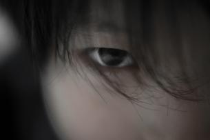 男の子のアップの写真素材 [FYI03056115]