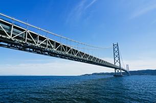 橋と青空の写真素材 [FYI03056291]