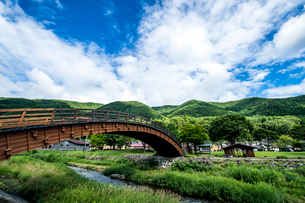 夏の奈良井大橋の写真素材 [FYI03056315]