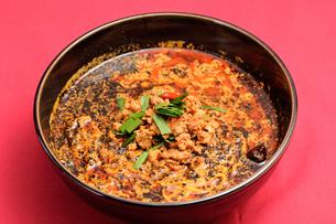 黒胡麻担々麺の写真素材 [FYI03057058]