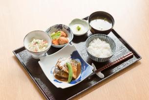 さばの味噌煮定食の写真素材 [FYI03057463]