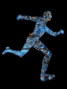 走る回路に覆われた男性型ロボットの写真素材 [FYI03057607]