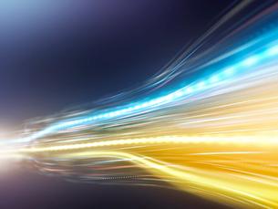 勢いよく放射するビーム光線の写真素材 [FYI03057656]