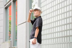 帽子を被ったシニア男性の写真素材 [FYI03057692]