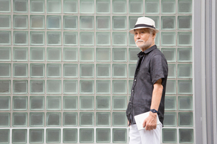 帽子を被ったシニア男性の写真素材 [FYI03057693]
