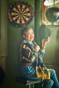 シニアの女性の写真素材 [FYI03058066]