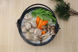 鶏団子鍋の写真素材 [FYI03058986]
