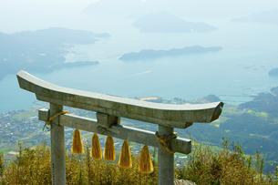 倉岳神社の写真素材 [FYI03059347]