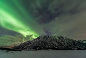 Northern lights or aurora borealis, Laukvik, Austvagoyの写真素材 [FYI03059748]