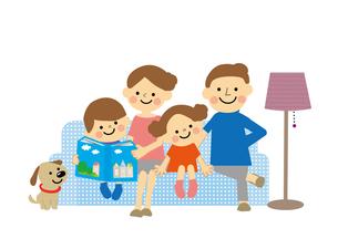 ソファーにすわる家族のイラスト素材 [FYI03060843]