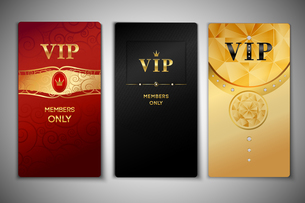 Vip red black and golden premium cards set isolated vector illustrationのイラスト素材 [FYI03066952]