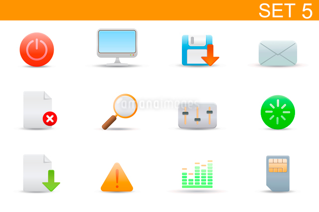 Vector illustration set of elegant simple icons for common computer and media devices functions. Setのイラスト素材 [FYI03071726]