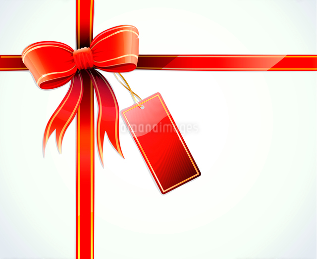 Vector illustration of gift wrapped white paper with a red ribbon, bow and blank tagのイラスト素材 [FYI03072721]