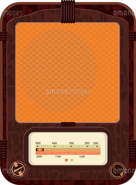 Vector illustration of an old radio  in a wooden caseのイラスト素材 [FYI03073219]