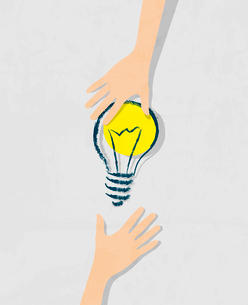 illustration of idea bulb. Transfer of ideas from hand to hand.のイラスト素材 [FYI03078550]