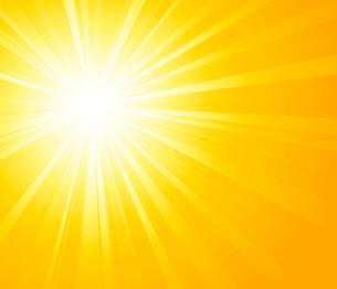 Vector illustration Orange summer sun light burstのイラスト素材 [FYI03089746]