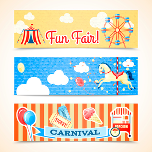 Vintage retro carnival fun fair vertical banners isolated vector illustrationのイラスト素材 [FYI03092156]