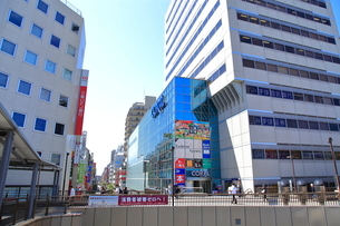 三鷹駅南口前  東京都の写真素材 [FYI03103719]