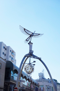 横浜元町のフェニックスアーチの写真素材 [FYI03104158]