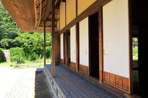 茅葺屋根の民家  東京都の写真素材 [FYI03104925]