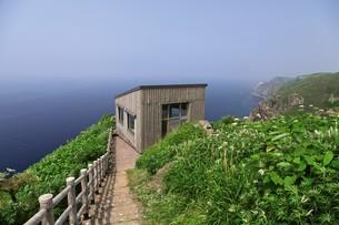 天売島の海鳥観察舎の写真素材 [FYI03105800]