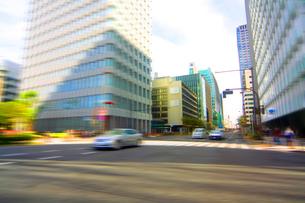 街並 走行車両よりの写真素材 [FYI03114936]