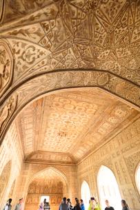 アグラ城カース・マハル内部の象嵌細工装飾の写真素材 [FYI03114955]