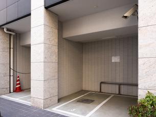 バイク用の駐輪スペースの写真素材 [FYI03115376]