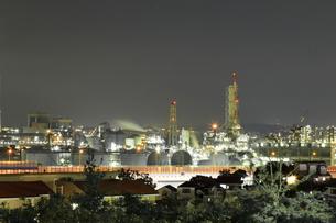 横浜市磯子区のコンビナートの写真素材 [FYI03115540]