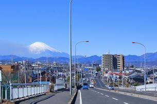 富士山と平塚市街の写真素材 [FYI03115563]