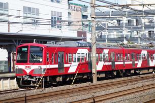 出発を待つ流鉄電車の写真素材 [FYI03115666]