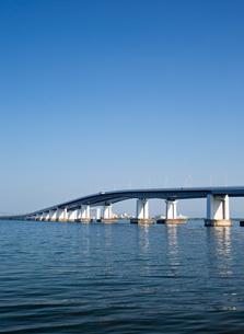 琵琶湖大橋の写真素材 [FYI03115875]