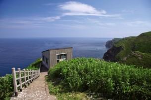 天売島の海鳥観察舎の写真素材 [FYI03115993]