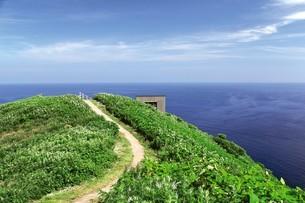 天売島の海鳥観察舎の写真素材 [FYI03115996]