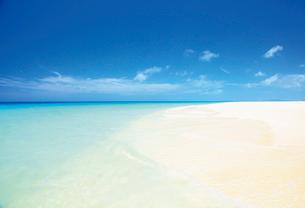 白い砂の美しい砂山ビーチの写真素材 [FYI03116376]