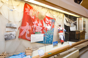 屋久島町歴史民俗資料館の展示の写真素材 [FYI03117521]