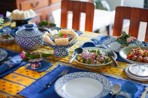 タイ料理のテーブルの写真素材 [FYI03117865]