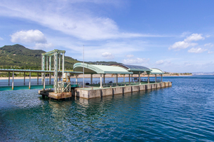 淡路夢舞台への海からの玄関口 翼港の写真素材 [FYI03118154]
