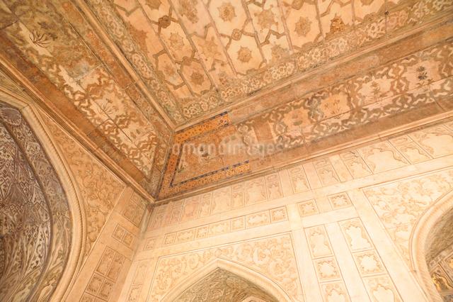アグラ城カース・マハル内部の象嵌細工装飾の写真素材 [FYI03119592]