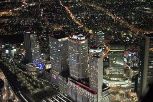 夜景空撮 名古屋駅 裏側の写真素材 [FYI03120244]