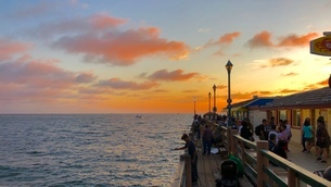 カリフォルニア州の海と桟橋の写真素材 [FYI03120550]