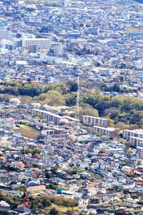 郊外の住宅街の写真素材 [FYI03120904]
