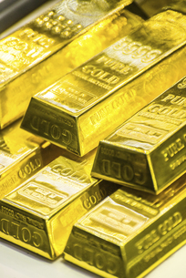 ディスプレイされた金塊の写真素材 [FYI03121156]