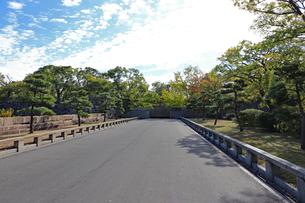 朝の大阪城京橋口の写真素材 [FYI03121299]