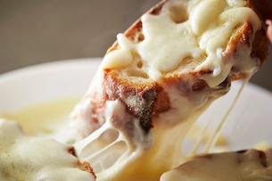 チーズバゲットの写真素材 [FYI03121592]