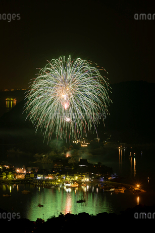 福山鞆の浦弁天島花火大会の写真素材 [FYI03121780]