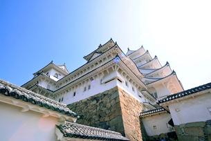 姫路城にて見上げる天守の写真素材 [FYI03123010]